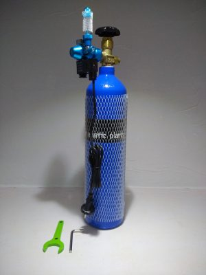 CO2 Cylinder with Single Gauge Solenoid 300x400 - Oceanfree CO2 3 Ltr Cylinder with Single Gauge Regulator with Solenoid